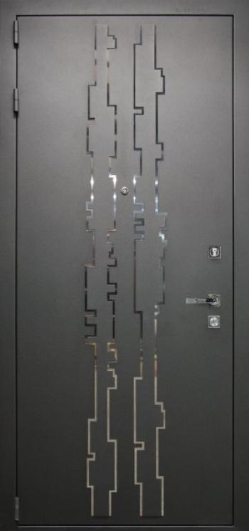 Отделка входных дверей №179