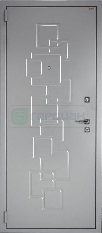 Входные двери с отделкой давлением